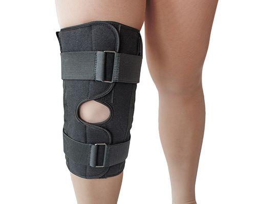 Бандаж (ортез) на колінний суглоб Алком 3052 р.1 чорний