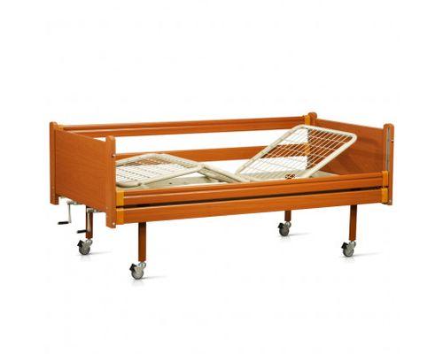 Ліжко медичне функціональне OSD-94 трьохсекційне з механічним приводом на колесах, з дерев`яними поручнями