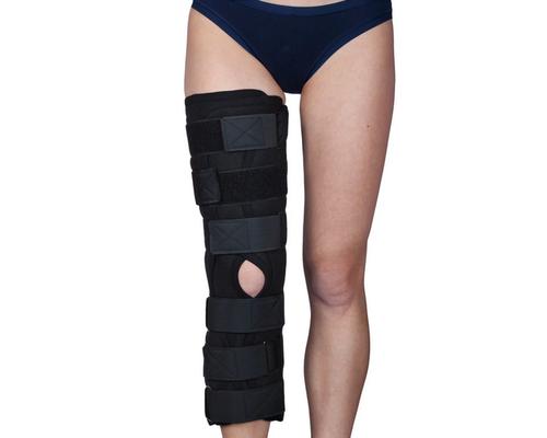 Бандаж (тутор) на колінний суглоб Алком 3013 р.1 чорний