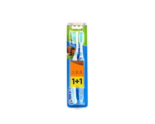 Зубна щітка Oral-B (Орал-В) 3-Effect Natural Fresh 40 medium 1+1
